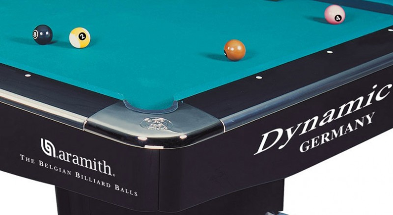 Dynamic II Pool table 9ft black